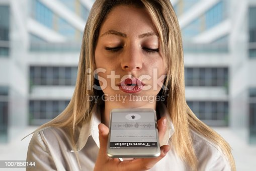 istock Voice Translate With Smart Phone 1007850144