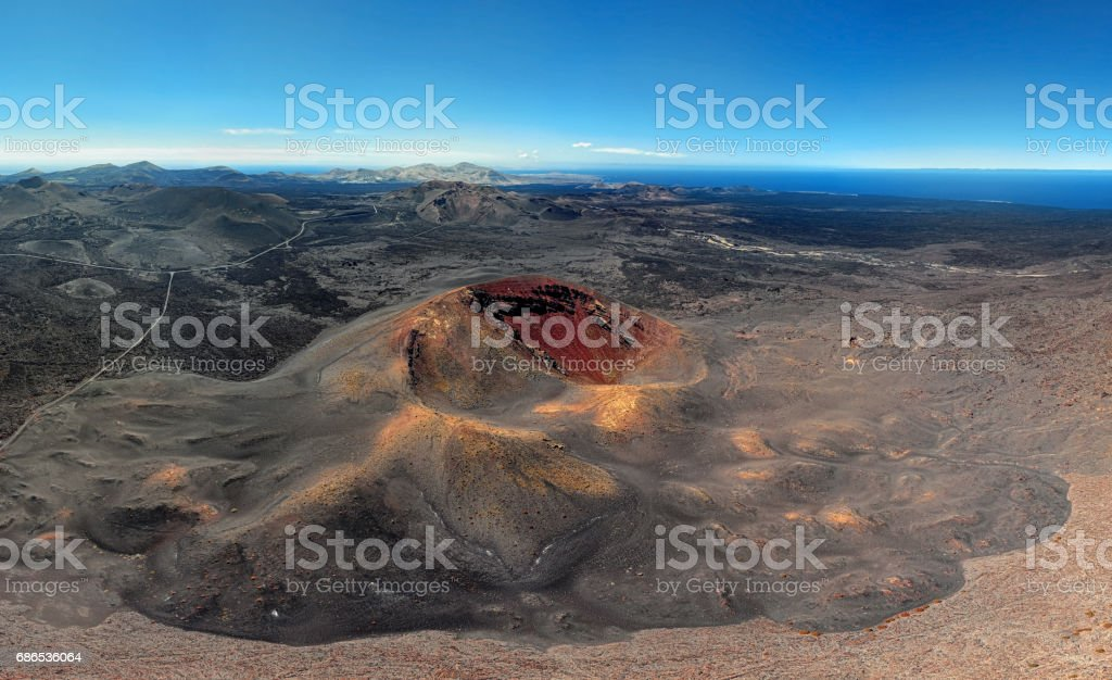 Vulkanische krater panorama, Nationaal Park Timanfaya, Lanzarote, Canarische eilanden royalty free stockfoto
