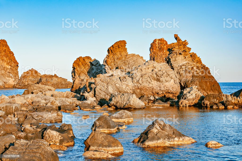 Volcanic formations in Acireale. - foto stock