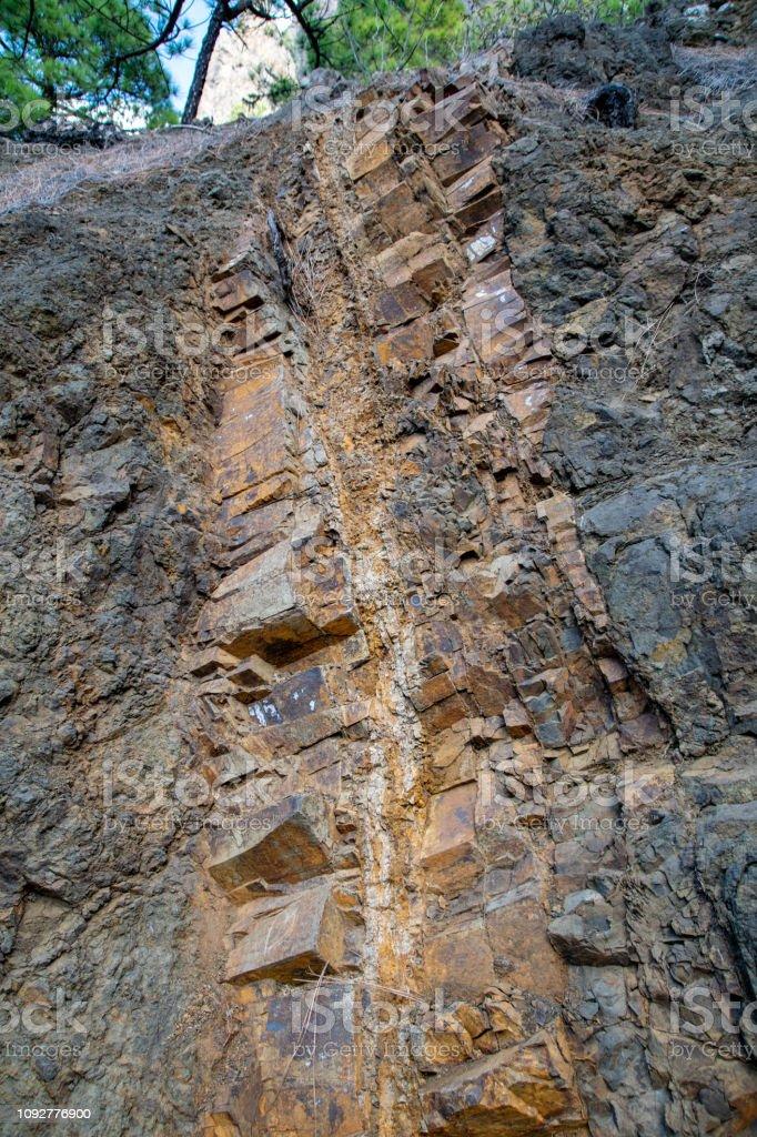 Cores de rocha ígnea vulcânica em La Cumbrecita, La Palma, Ilhas Canárias, Espanha - foto de acervo