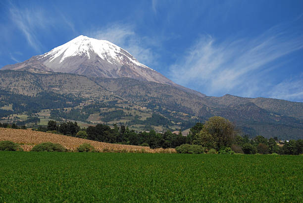 volcano orizaba peak, mexico The peak of Orizaba or Citlaltepetl is the highest mountain in Mexico to 5958 meters above sea level orizaba stock pictures, royalty-free photos & images