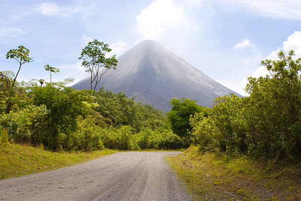 Volcano Volcano arenal volcano stock pictures, royalty-free photos & images