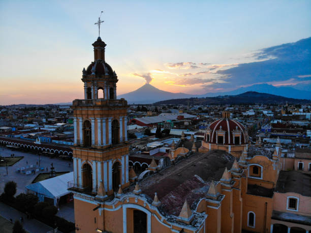 Volcano Cholula, Mexico at sunset puebla state stock pictures, royalty-free photos & images