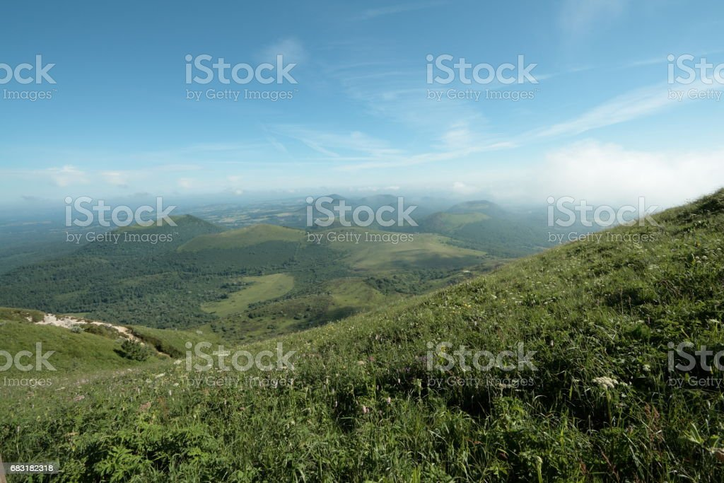 Volcanoes of Auvergne, France royalty-free 스톡 사진