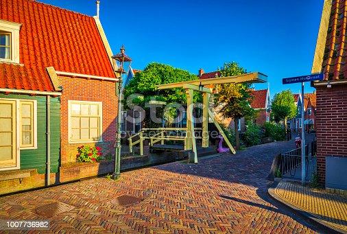 872969580istockphoto Volendam - small historical Dutch village (HDRi) 1007736982
