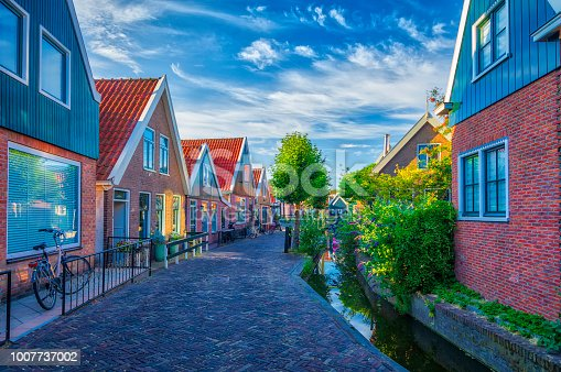 872969580istockphoto Volendam - small historical Dutch village (HDRi) 1007737002