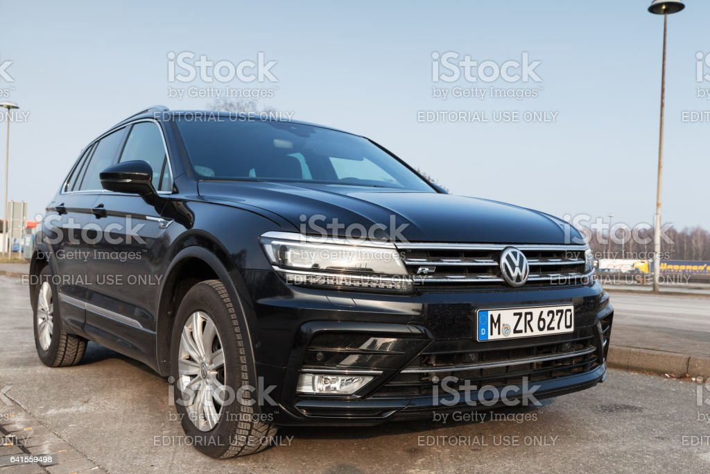 2017 volkswagen tiguan 4x4 rline fotografie stock e altre immagini di 2017 istock. Black Bedroom Furniture Sets. Home Design Ideas