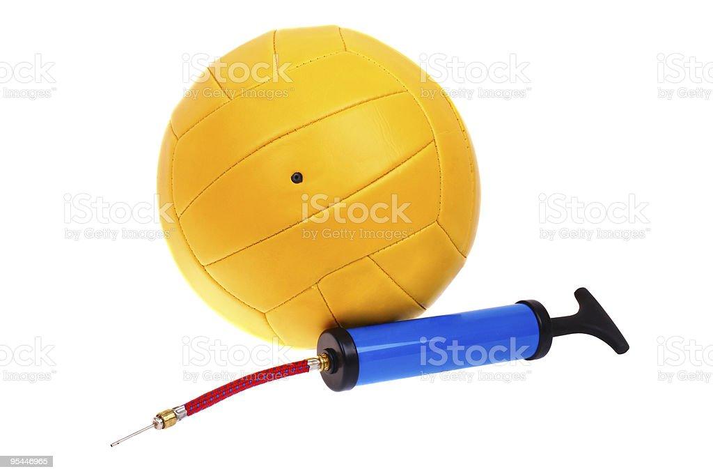 Volleyball-ball und pump – Foto