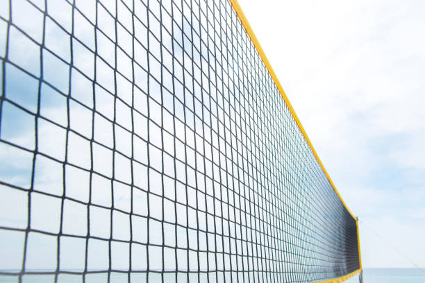volleyball net on beach. - set tennis o pallavolo foto e immagini stock