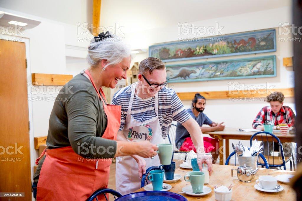 Freiwilligenarbeit in der Bauernhof-Cafe – Foto