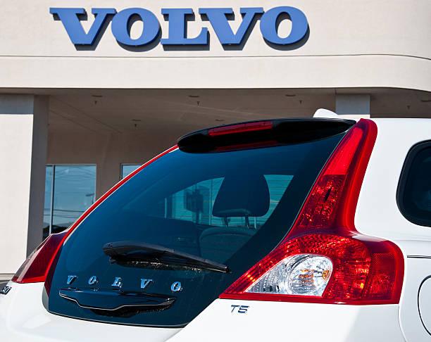 volvo automobile and sign detail - volvo bildbanksfoton och bilder