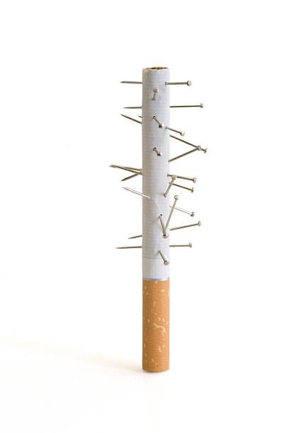 Voodoo Zigarette, oder ist dieser Akupunktur? – Foto