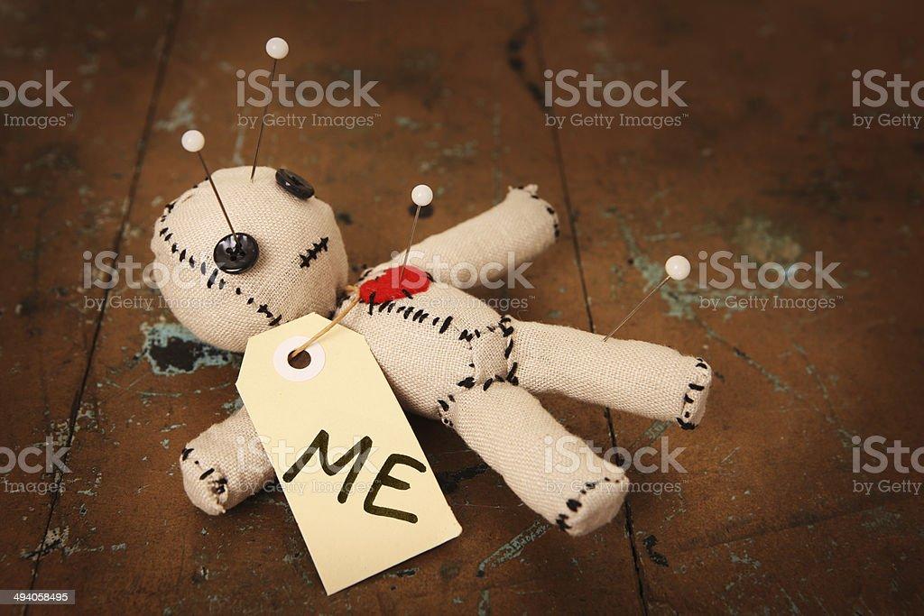 Poupée vaudoue indiquant «moi» - Photo