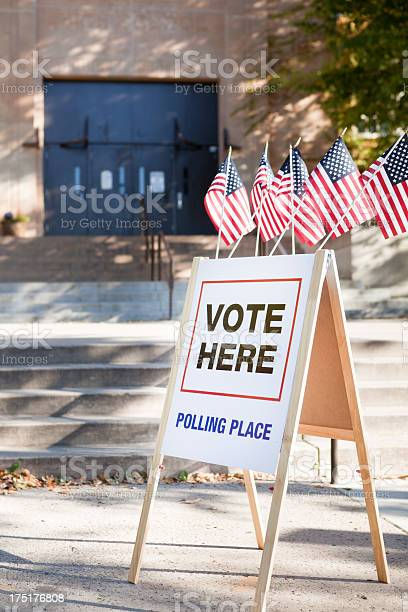Vote polling place station in usa picture id175176808?b=1&k=6&m=175176808&s=612x612&h=x0i5qa0toqofpdqmk1svktb1qalkmirtbf9wrn34 se=