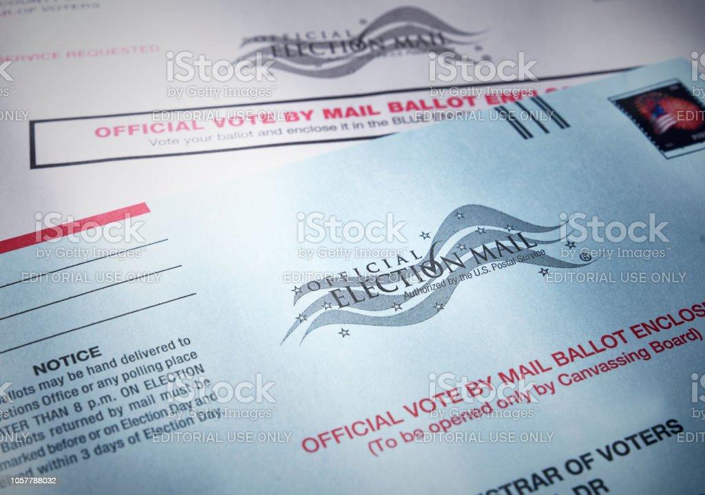 Stimmabgabe Stimmzettel: Briefwahl per Post mit Stimmzettel Umschlag – Foto