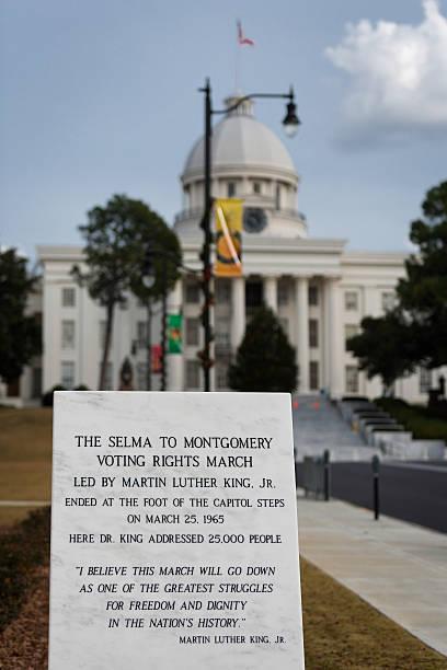 el derecho de voto de marzo de monumento - martin luther king jr day fotografías e imágenes de stock