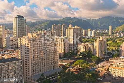 View to Hotels, apartments and mountain range in Honolulu.