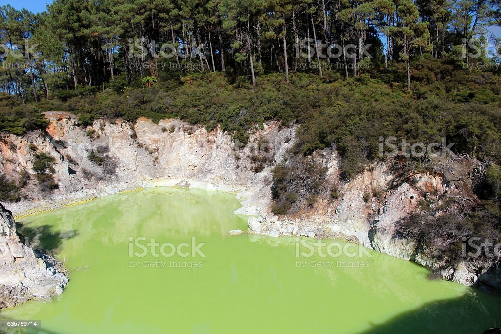 Wai-O-tapu des devil's bathtub stock photo