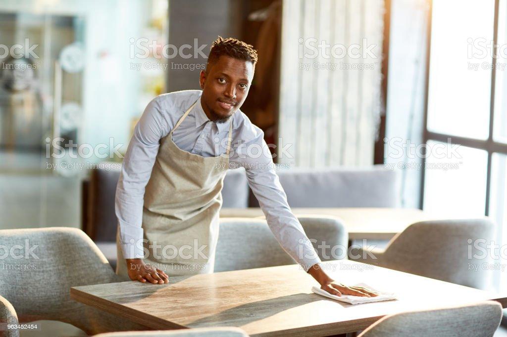 Garson iş başında - Royalty-free Adamlar Stok görsel