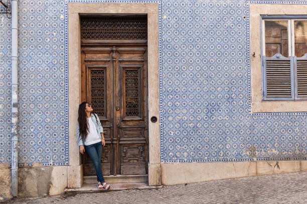 waiting for a friend in lisbon old town - people lisbon imagens e fotografias de stock