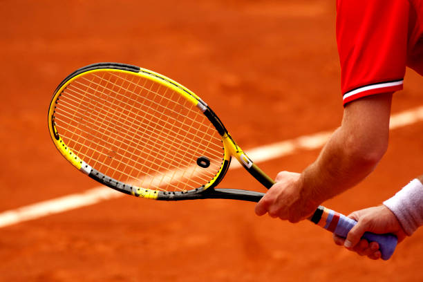 waiting for tennis rebound - racket stock pictures, royalty-free photos & images