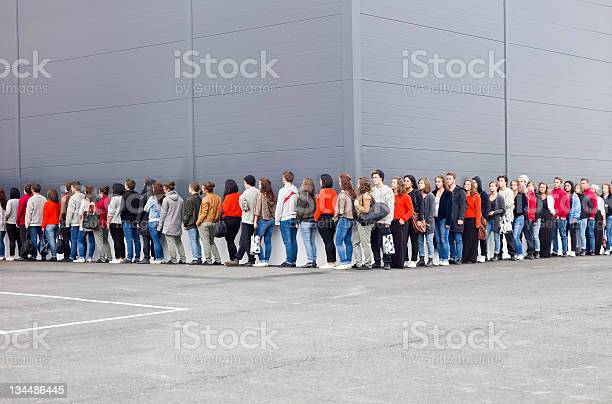 Waiting in line picture id134486445?b=1&k=6&m=134486445&s=612x612&h=8zilyrzk8wrowubrh b8b1eld8qwjugwgywnmeetxb0=