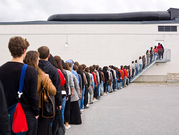 Waiting in line picture id177129252?b=1&k=6&m=177129252&s=612x612&w=0&h=hflg exdhhxuc3jwdt auwuvgdppuisxrbvtec5oewm=