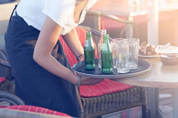 Gitterreinigungstisch im Café. – Foto