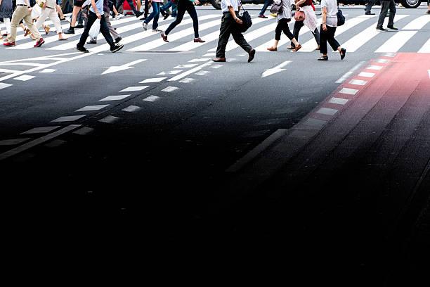 walking asian business people - 出勤 ストックフォトと画像
