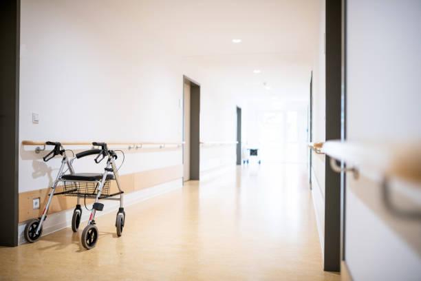 walking frame in the corridor, germany - nursing home zdjęcia i obrazy z banku zdjęć