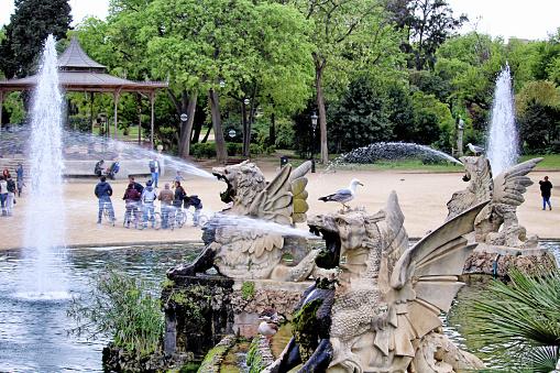 Walking in Ciutadella park