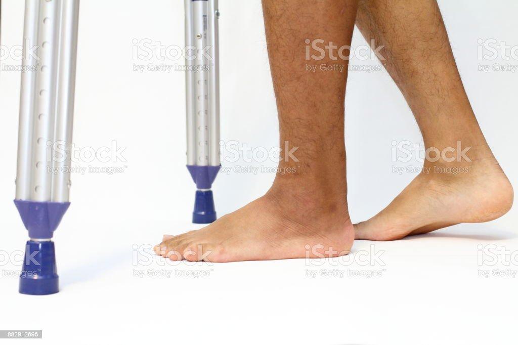 Wandern auf crutchs – Foto
