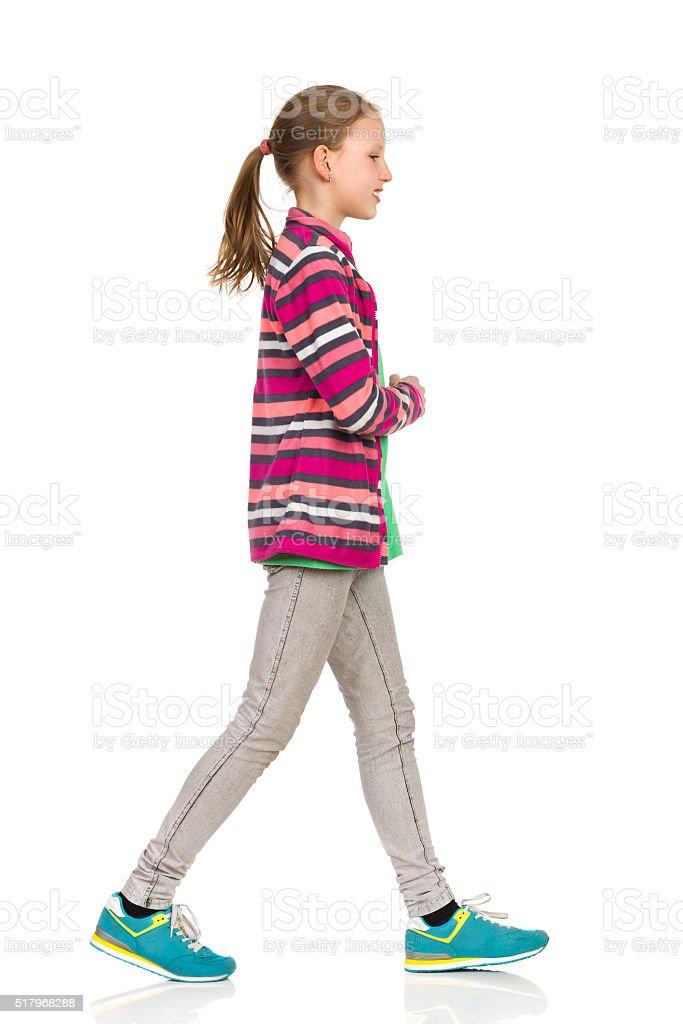 Walking Teen Casual Girl foto