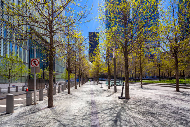 Walkway in Downtown Manhattan im Frühling. – Foto