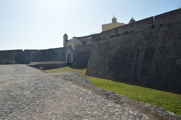 wall and entrance of the fort of our lady of grace in elvas. - elvas imagens e fotografias de stock