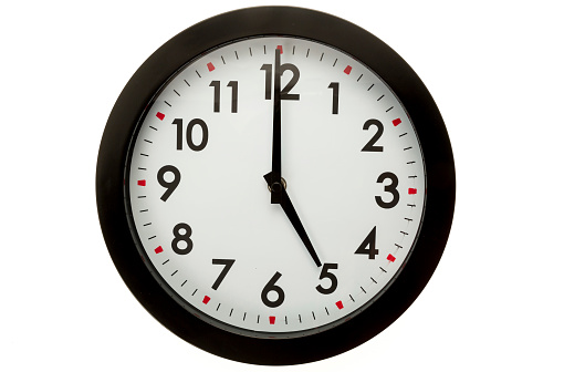 wall-clock-5-oclock-picture-id525430911?