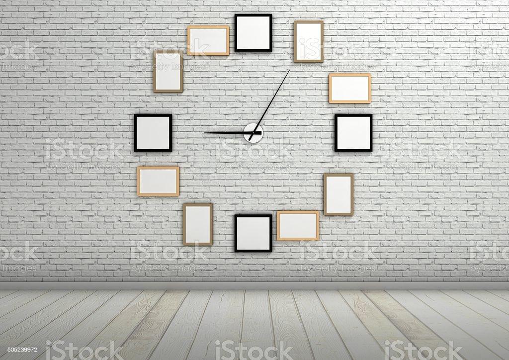 Fotografía de Reloj De Pared De Los Marcos De Los Cuadros En Blanco ...