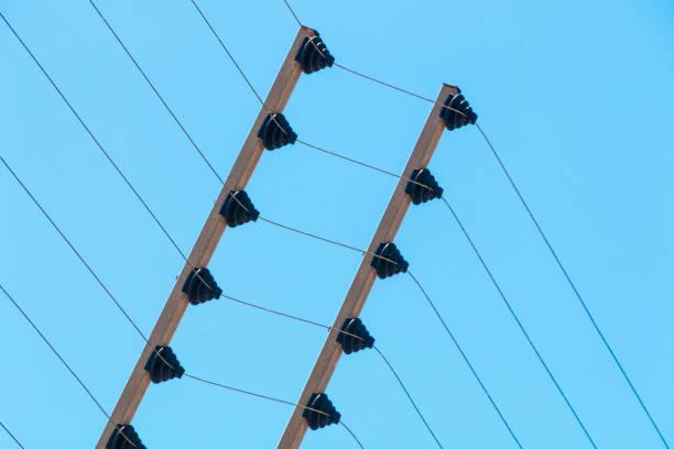 Wall Mounted Hochspannung elektrische Sicherheit Zaun Installation – Foto