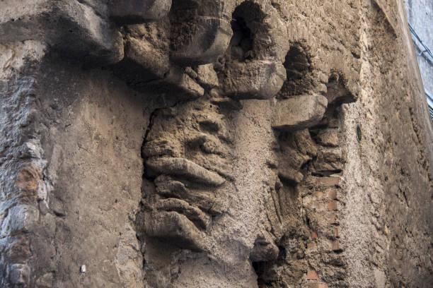 wall of medieval building - batalina italy стоковые фото и изображения