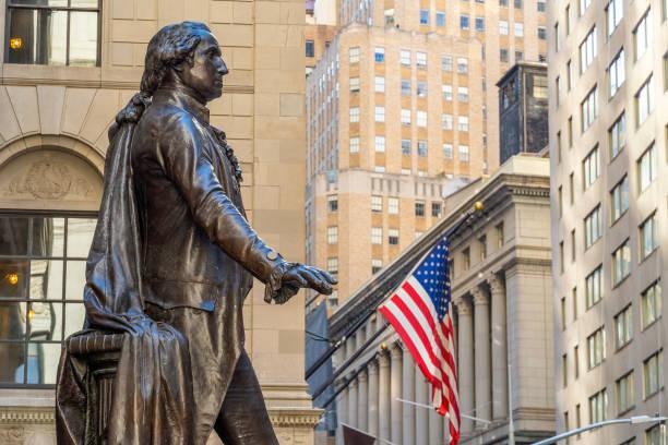 Wall Street no distrito de Manhattan Finance - foto de acervo
