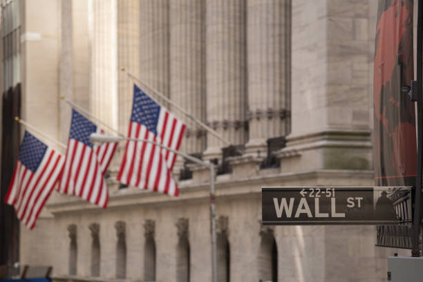 wall street sign - wall street lower manhattan stock pictures, royalty-free photos & images