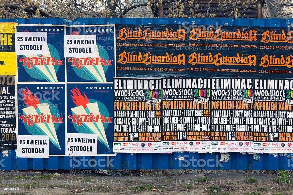 Mur avec des affiches de concert - Photo