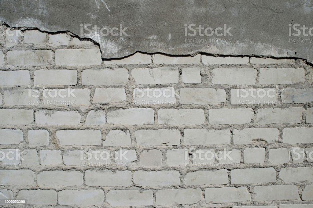 Photo Libre De Droit De Mur Avec Du Platre Partiellement Enleve Sous Forme De Dessin Figure Dune Texture De Brique Arriereplan Banque D Images Et Plus D Images Libres De Droit De Accident Et