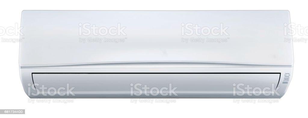 Acondicionador de aire montado en la pared - aislado - foto de stock