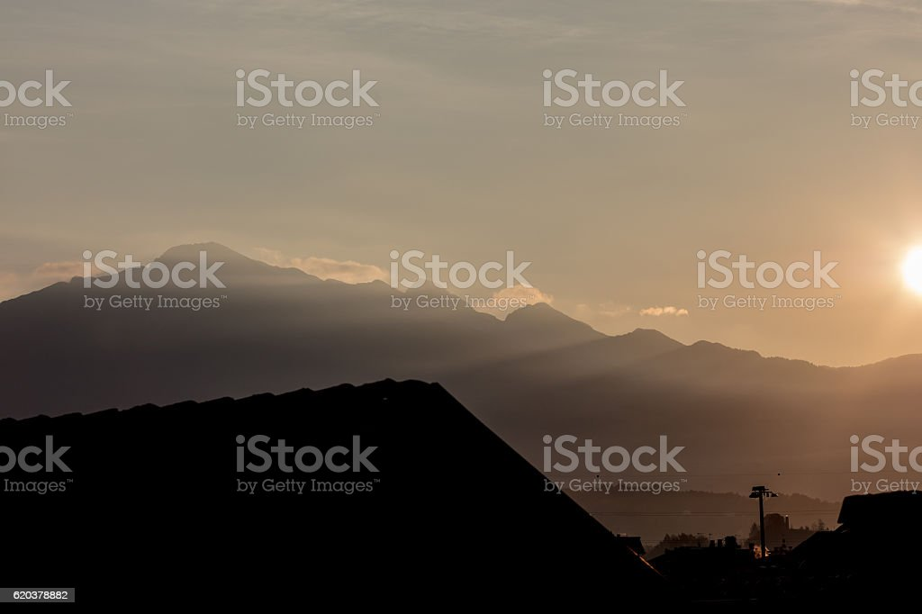 wallpaper or background of northern Italy sunrise in the mountai foto de stock royalty-free