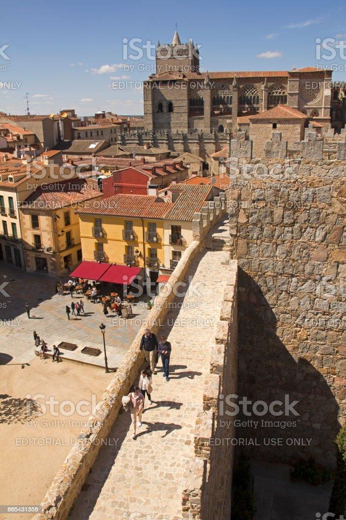 Las paredes y la Catedral de Ávila, España - foto de stock