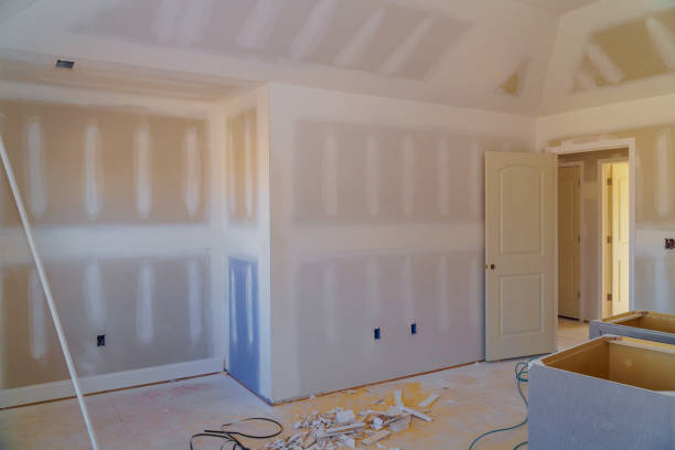 walls plasterboards with room under construction walls plasterboards with room under construction with finishing putty in the room plaster ceiling design stock pictures, royalty-free photos & images