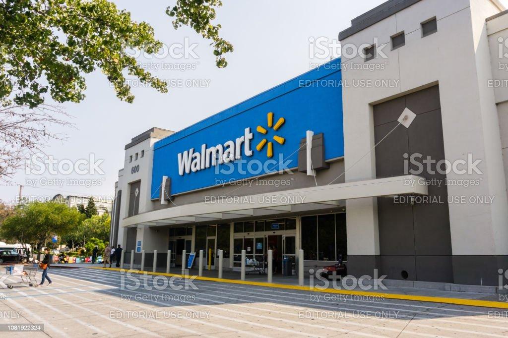 Entrada de tienda de Walmart - Foto de stock de Wal-mart libre de derechos