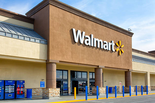 Walmart store exterior Salinas, United States - April 8, 2014: Walmart store exterior. Walmart is an American multinational corporation that runs large discount stores and is the world's largest public corporation. wal mart stock pictures, royalty-free photos & images