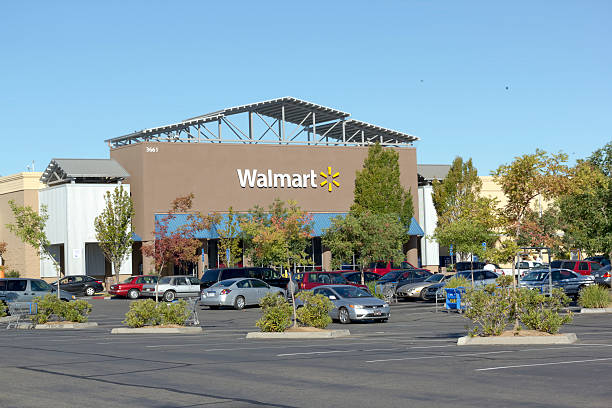 SACRAMENTO, USA - SEPTEMBER 13: Walmart store. Sacramento, USA - September 23, 2013: Walmart store on September 23, 2013 in Sacramento, California. Walmart is an American multinational retail corporation that runs chains of large discount department stores wal mart stock pictures, royalty-free photos & images